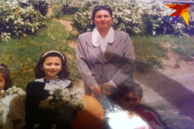 Мама Софии много лет проработала школьным учителем в селе Брут