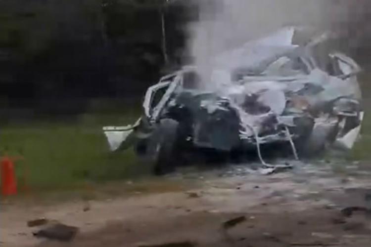 Столкновение произошло ранним утром. ФОТО: Бетта Ди-Гожь.