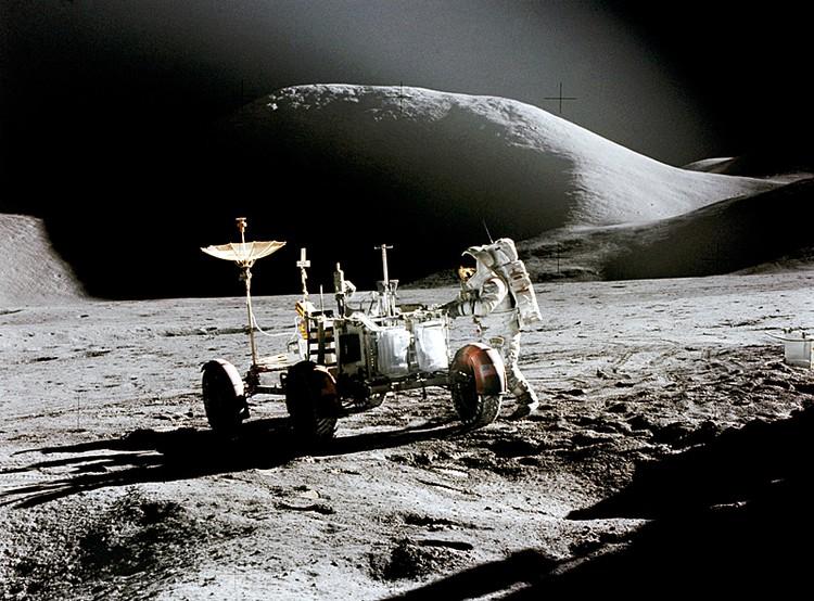 Главные враги жизни на Луне – адский холод ночью и удушающий жар днем