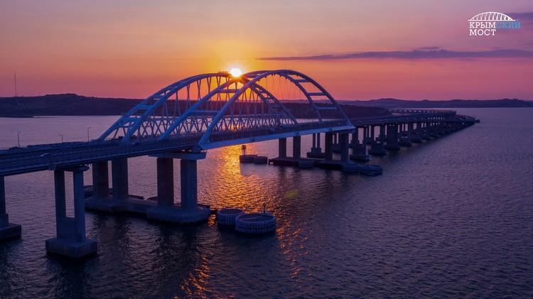 Крымский мост - уникальное сооружение. Фото: Крымский мост/VK