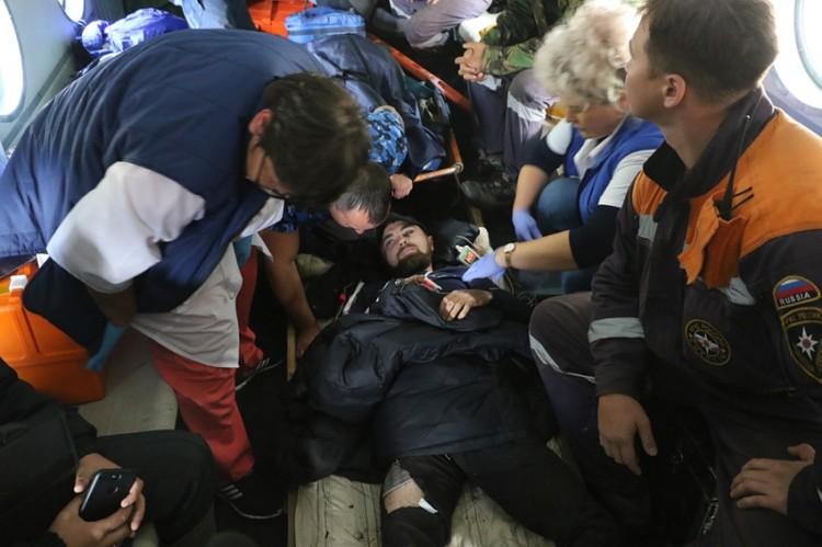 Парень упал с 18-метровой высоты и остался жив. Фото: МЧС Хакасии