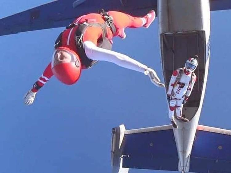 Девушка летит на скорости до 300 км/час. Фото: Наталья Белоусова/facebook.com