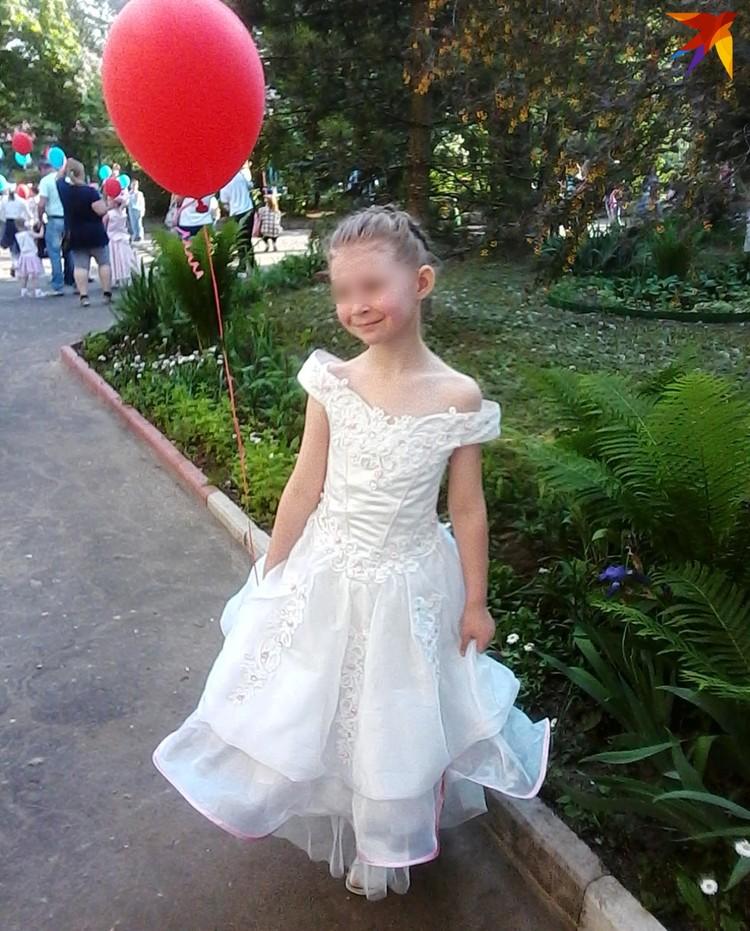 Девочку всегда опрятно одевали: платья, бантики. Фото: личный архив