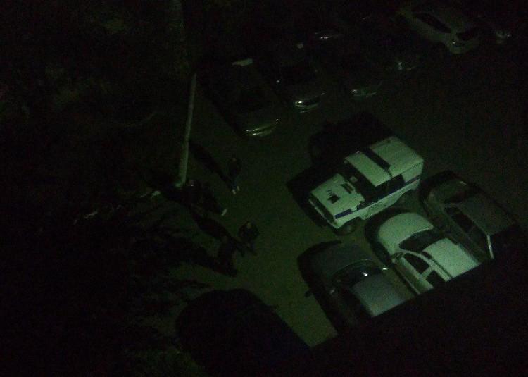На место преступления прибыли сотрудники полиции и СКР. Фото соцсетей