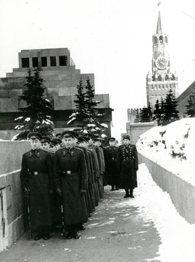 10 лет Гурковский был командиром взвода Кремлевского полка.