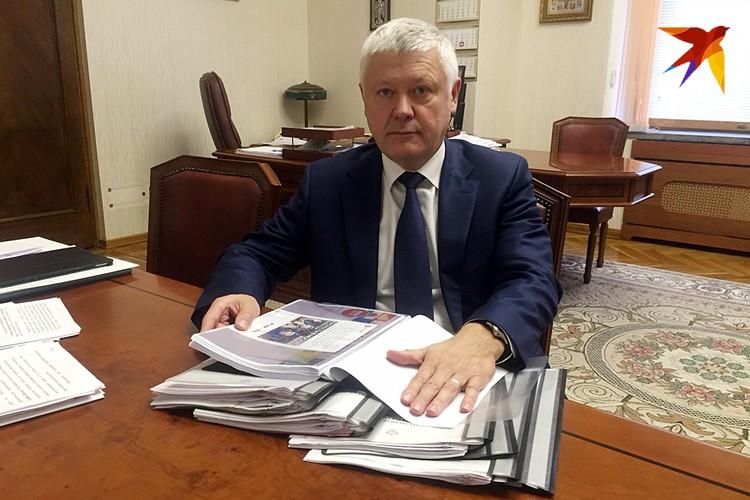 Василий Пискарев впервые показал СМИ, какие улики и доказательства заграничного вмешательства в наши дела уже удалось собрать
