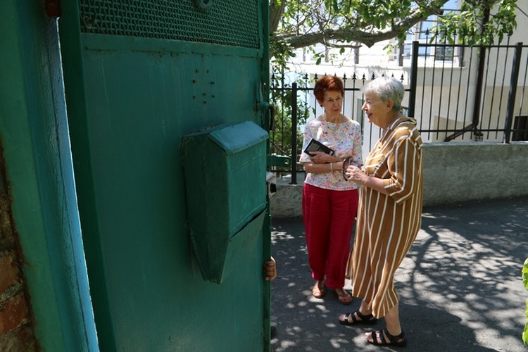 Моника и Колетт впервые приехали в Крым.