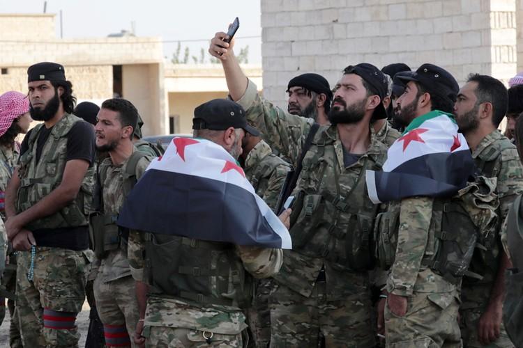 Поддерживаемые турцией сирийские боевики-повстанцы захватили поселение Ябиса на севере Сирии.
