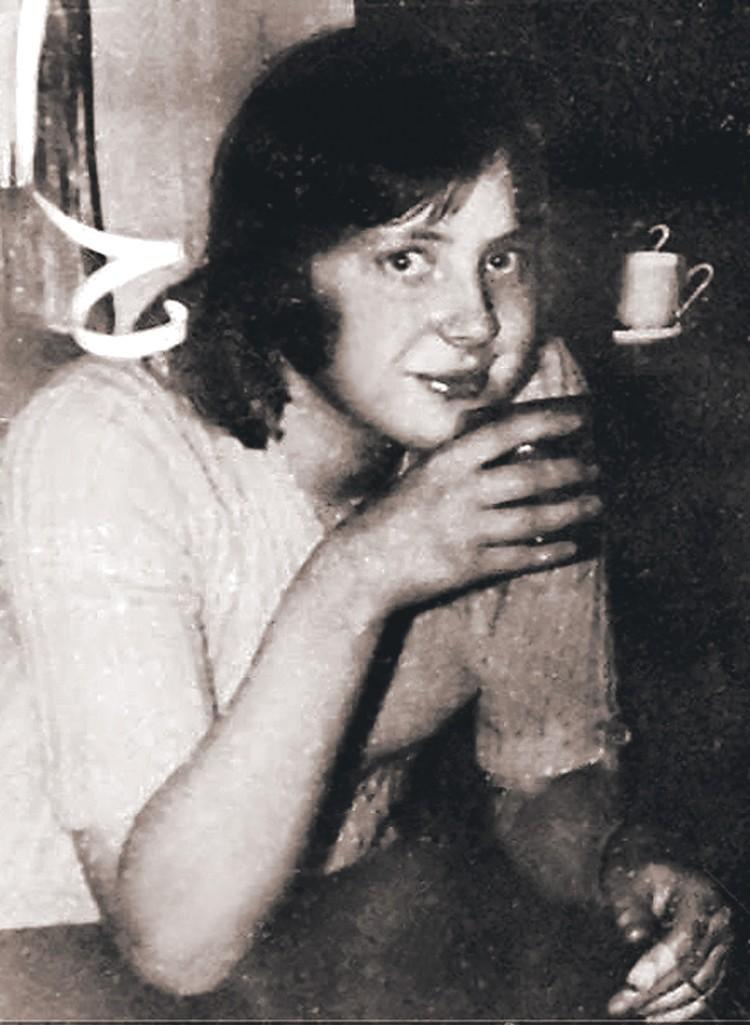 Когда Ангела Меркель жила в ГДР, она трижды побеждала на олимпиадах по русскому языку.