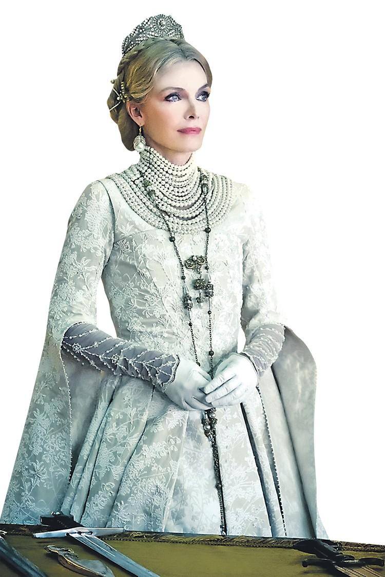 Мишель в образе злой Королевы. Фото: Кадр из фильма
