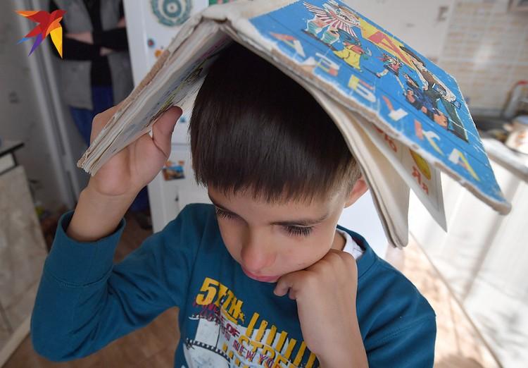 По данным исследований, в России дети тратят на домашнее задание в среднем по 4,5 часа.