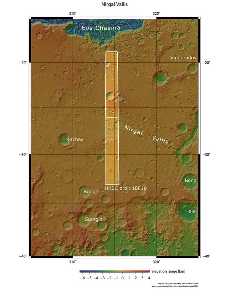 Участок плато с руслами и его окрестности.