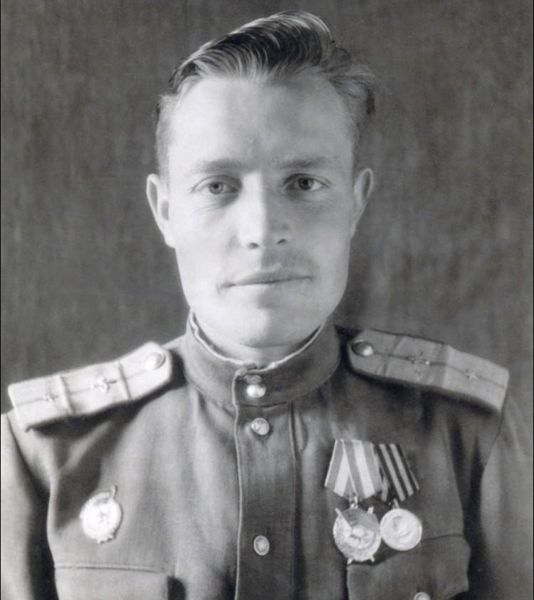 Иван Архипов после получения ордена Красного Знамени.