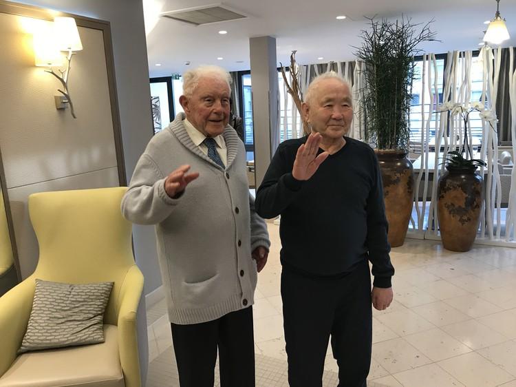 Живущие в пансионате дедушки - французский Дени (слева) и русский Клементий.
