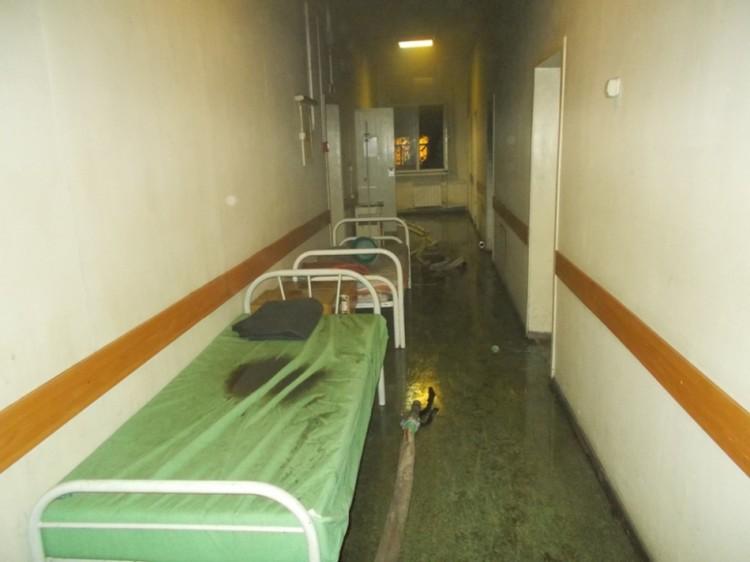 В палате найдена зажигалка. Фото: ГУ МЧС по НСО.