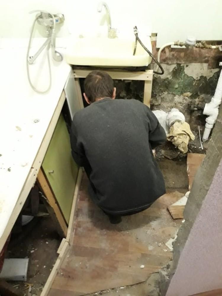 Во время ремонта вскрыли целый букет недостатков. Фото: Виктор Жуков