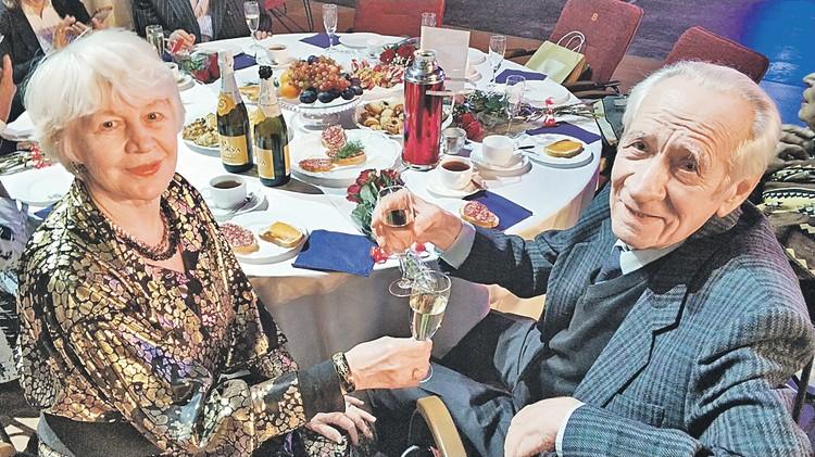 После знакомства в консерватории Людмила и Евгений Овчинниковы свою жизнь посвятили друг другу и музыке. Автор фото: Алена БУРЦЕВА