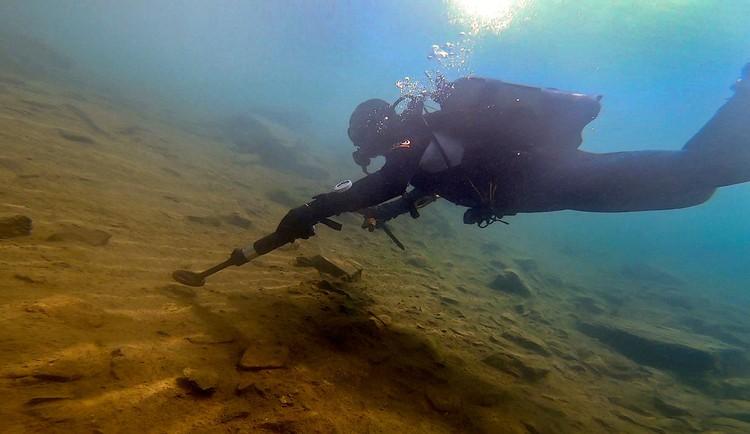 Обследовано 30% аквартории озера Фото: Эрнст Антонов