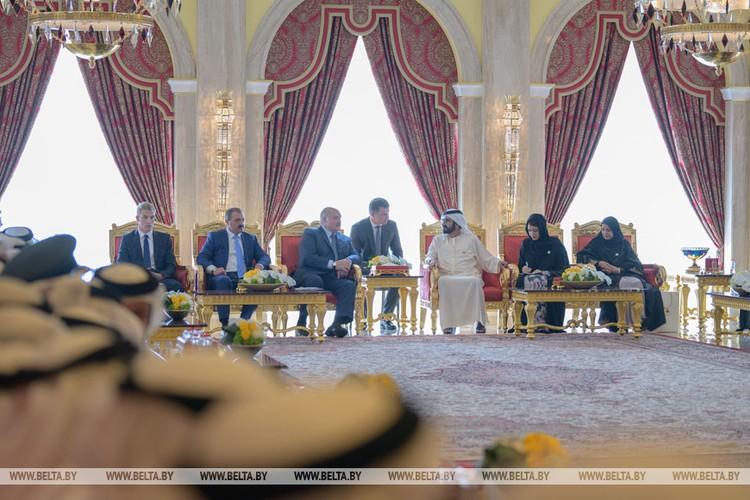 Лукашенко привел сына Николая на встречу с премьером Эмиратов. Фото: БелТА.
