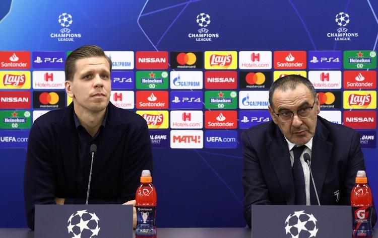 """Маурицио Сарри и вратарь """"Ювентуса"""" Войцех Щесны на пресс-конференции перед игрой."""