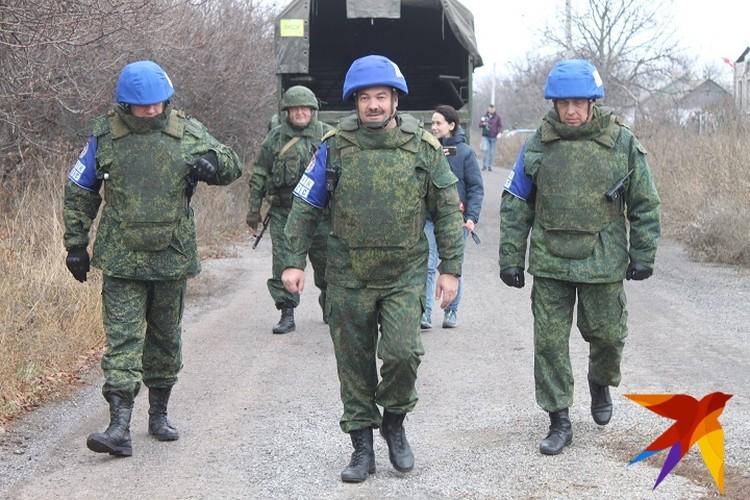 К участку разведения в Петровское прибыл руководитель представительства ДНР в СЦКК Руслан Якубов