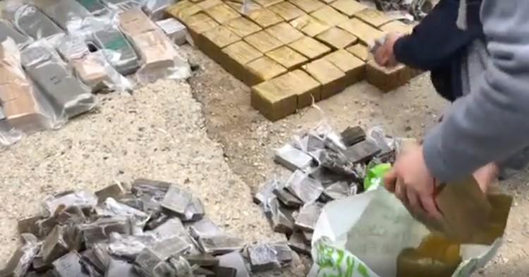 По оценкам специалистов, розничная стоимость изъятых наркотических средств, которые были изъяты во время спецоперации достигла 650 миллионов рублей. Фото: ФСБ РФ