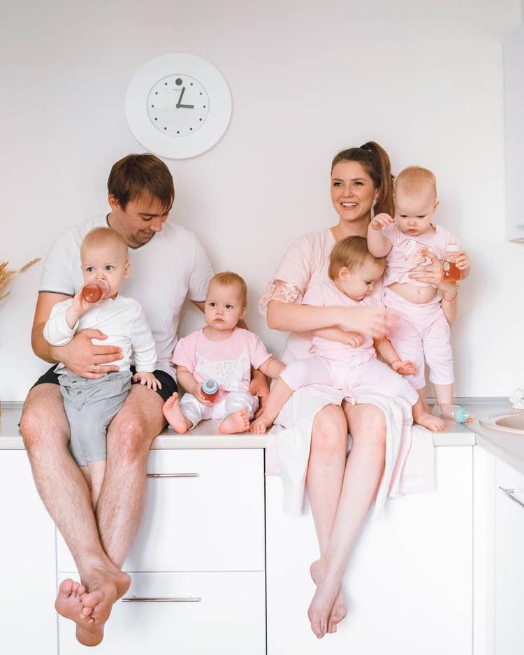Семья у сибиряков - большая и дружная! Фото: www.instagram.com/marinka_kvadromama
