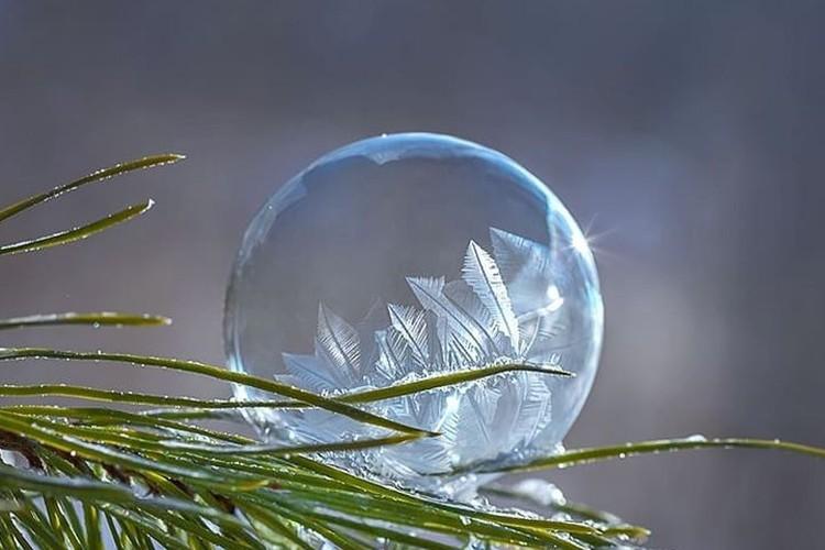 Теперь фотограф планирует сделать узор из замороженных пузырей. Фото: andreypristyazhnyuk