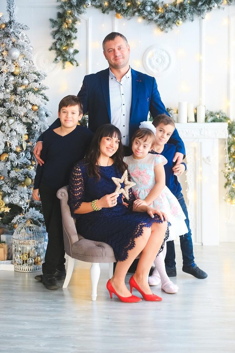 Вера Ковальчук со своей семьей