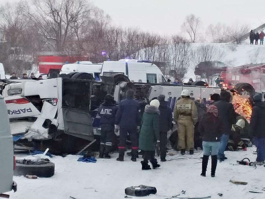 Спасательная операция на месте трагедии.