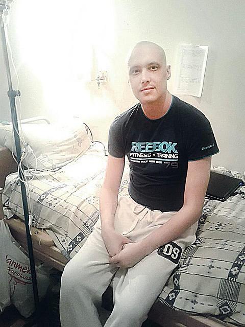 Боец «Беркута» Денис Запорожец воевал в ополчении с третьей стадией рака Фото: Личная страничка героя публикации в соцсети