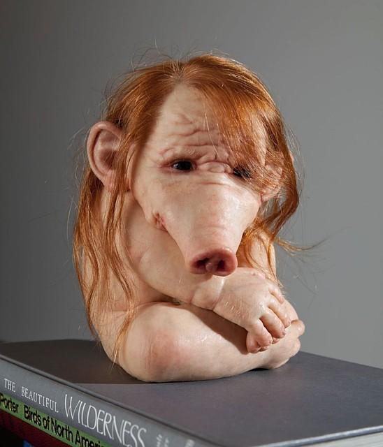 Когда-нибудь биологи создадут полноценную химеру человека и свинью. Люди станут их безжалостно резать и забирать себе органы для пересадки.