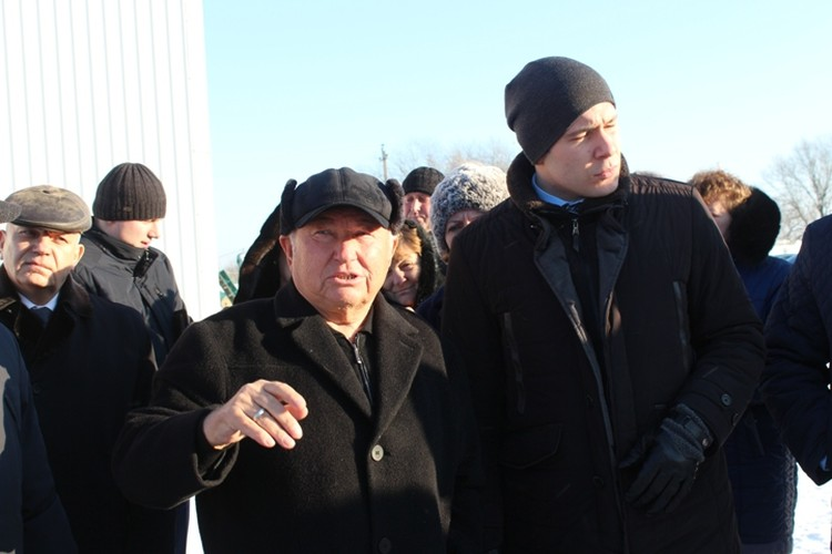 Губернатор Антон Алиханов осматривает калининградское хозяйство Юрия Лужкова. 2018 год.