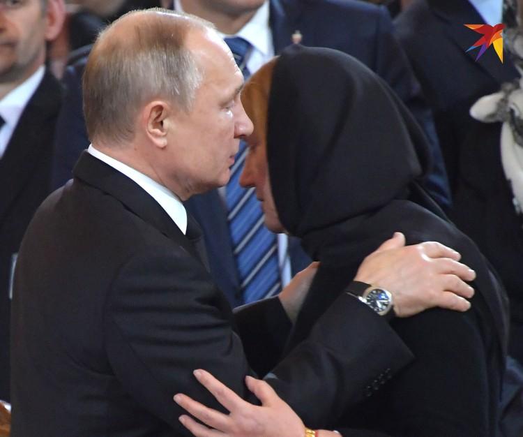 Владимир Путин и вдова Юрия Лужкова Елена Батурина.
