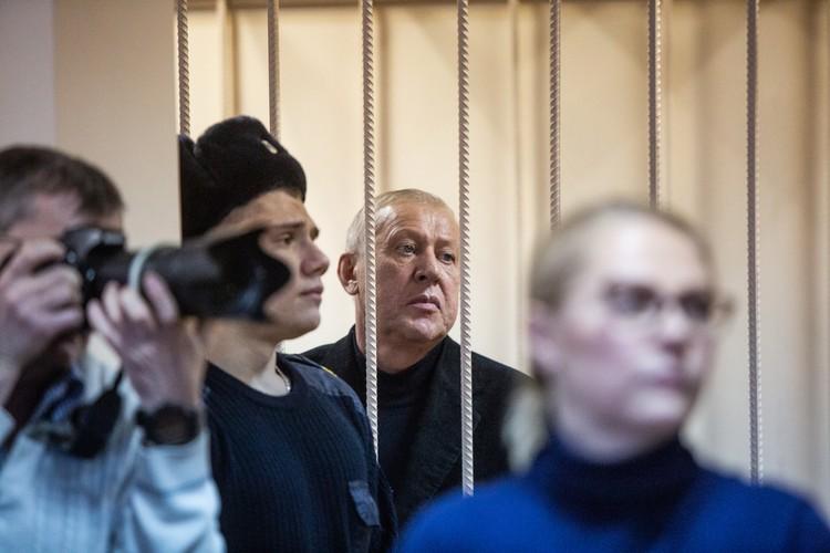 Дома у Тефтелева обнаружены крупные суммы денег.