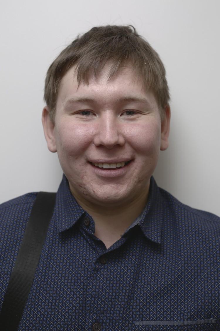 Где у Андрея Братухина настоящий зуб, а где отреставрированный, определить сможет только специалист