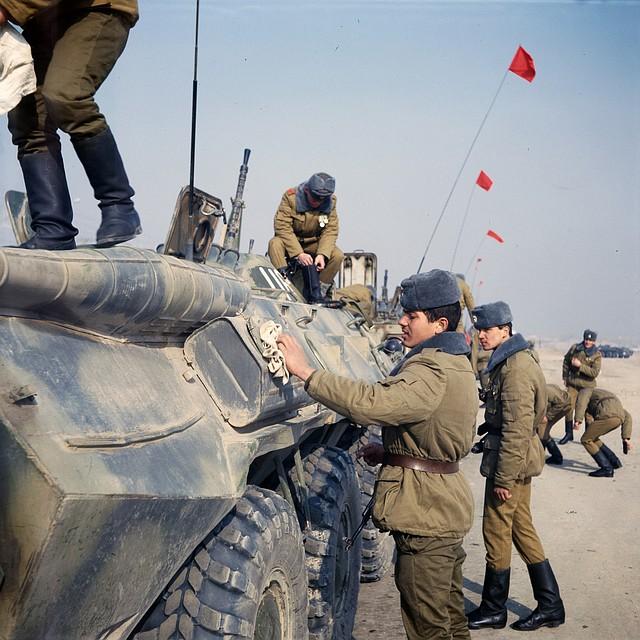 Вывод советских войск из Афганистана, 15 февраля 1989 года. Фото: Виктор Хабаров/ZERKALO
