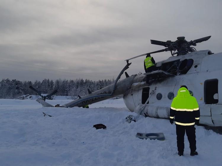 По предварительным данным, вертолет попал в снежный вихрь. Фото: пресс-служба ГУ МЧС России по красноярскому краю.