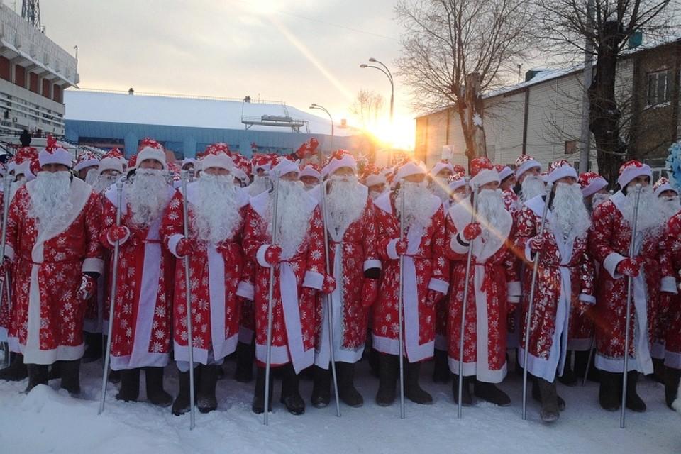 Деды Морозы бьют рекорды! Фото: Яна ПОПОВА