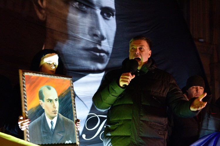1 января 2020 года, Киев, Украина: во время шествия выступает лидер Партии Свободы Олег Тягнибок.