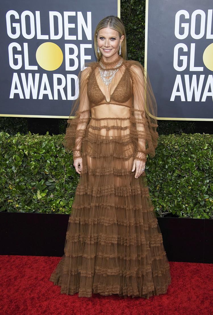 Зрителей смутило прозрачное платье Гвинет Пэлтроу.