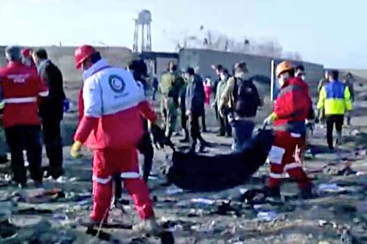 22 спасательные бригады прибыли на место крушения лайнера