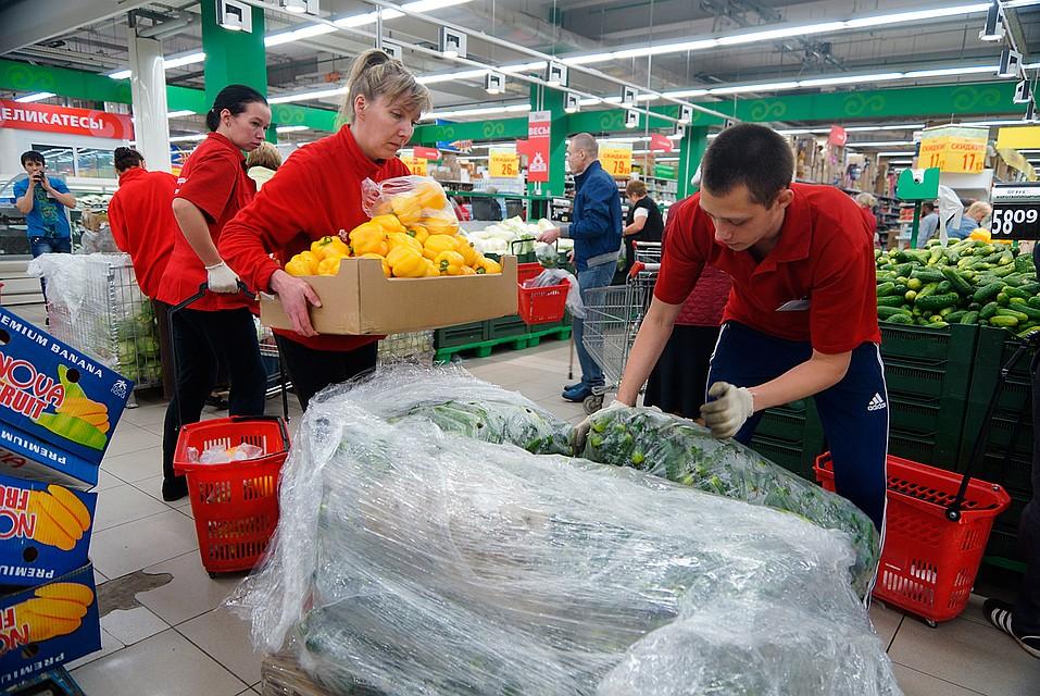 Неделя за неделей смотреть на одни и те же помидоры, конфеты и сковородки скучно Фото: Алексей БУЛАТОВ