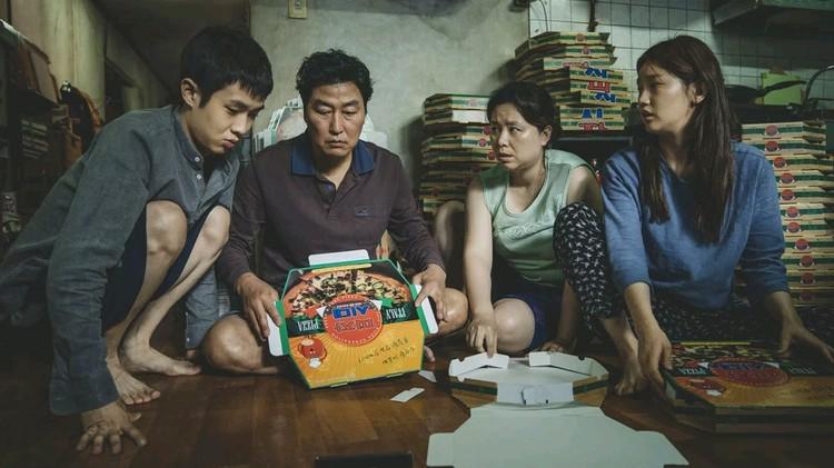 Корейский фильм «Паразиты» имеет шансы стать лучшим фильмом года.