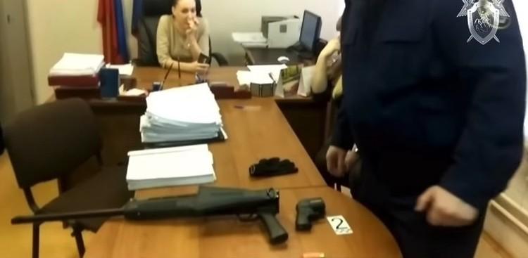 Оружие, из которого были произведены выстрелы. ФОТО: кадр видео СК РФ