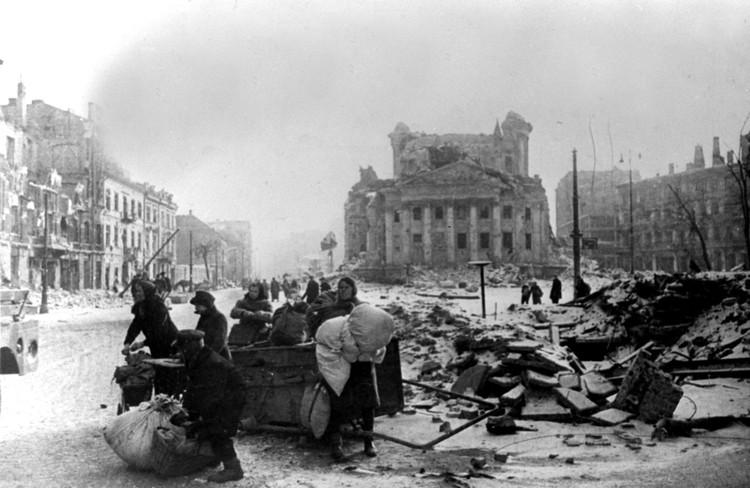 Варшава после освобождения Советской Армией. Фото: Сергей Лоскутов/Фотохроника ТАСС