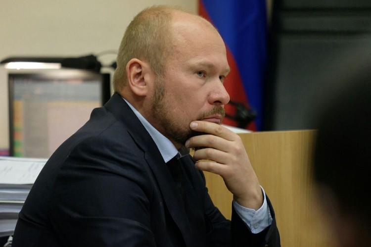 Адвокат Александр Почуев просит не спешить с выводами