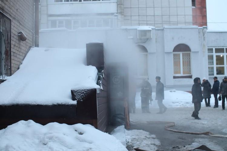 Через несколько часов после трагедии владелец «Карамели» Анатолий Щербаков был вызван на допрос