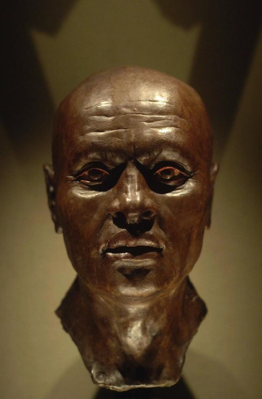 Бюст Несьямуна, воссозданный по черепу.