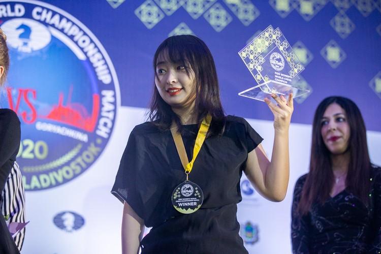 Цзюй Веньцзюнь одержала победу в финале первенства мира 2020 года по шахматам. Фото: Петлица Антон